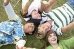 """Молодежь выбирает """"легкие"""" и простые отношения"""