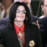 После смерти Майкл Джексон заработал больше всех живых звезд