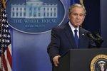 """Джордж Буш стал """"невыездным"""""""