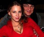 Молодая супруга Диброва похвасталась грудью