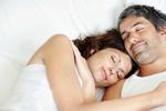 Партнерам предпочтительно спать друг к другу спиной