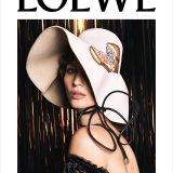 ELLE | Loewe представили рекламную кампанию будущей осени сразу после показа