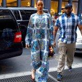 ELLE | Образ дня: Рианна в Dolce and Gabbana