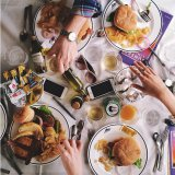 ELLE | Фото еды в инстаграме помогут похудеть